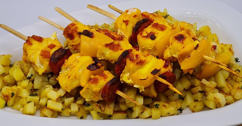 Brochettes-Poulet-Pommes-Terre-Sautees