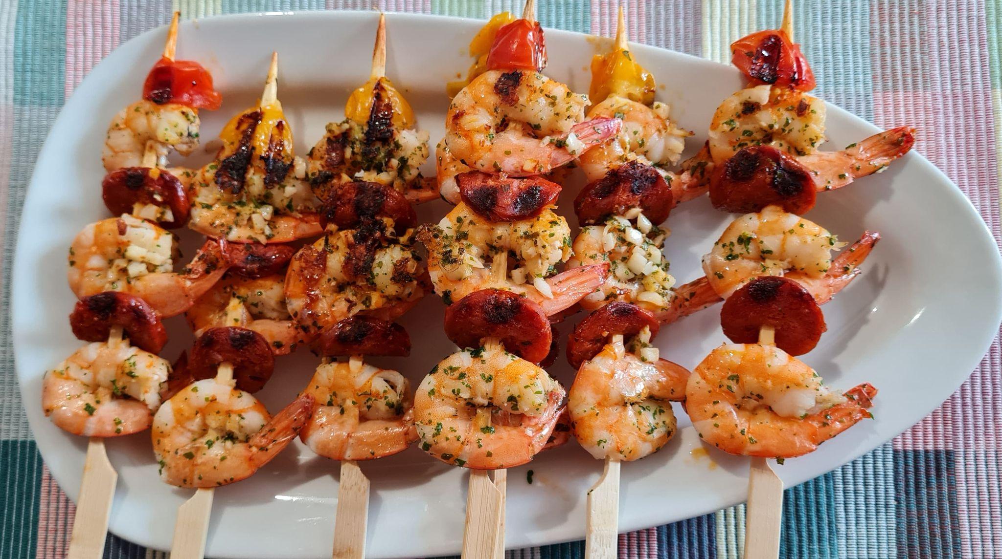Brochettes-Crevettes-Chorizo-Plancha