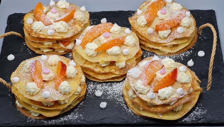 Minis-Gateaux-Crepes-Fruits-Chantilly